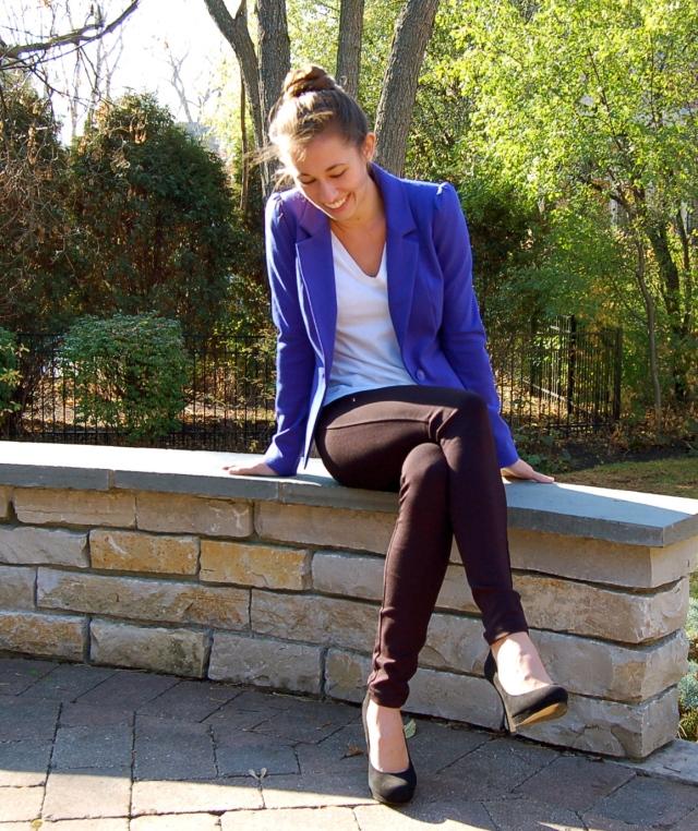 fall fashion, fashion, style, pumps, suede heels, blue blazer, leggings