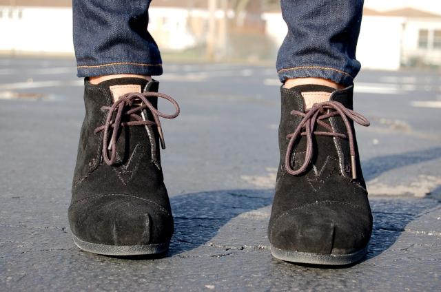 toms wedge booties, toms desert boots