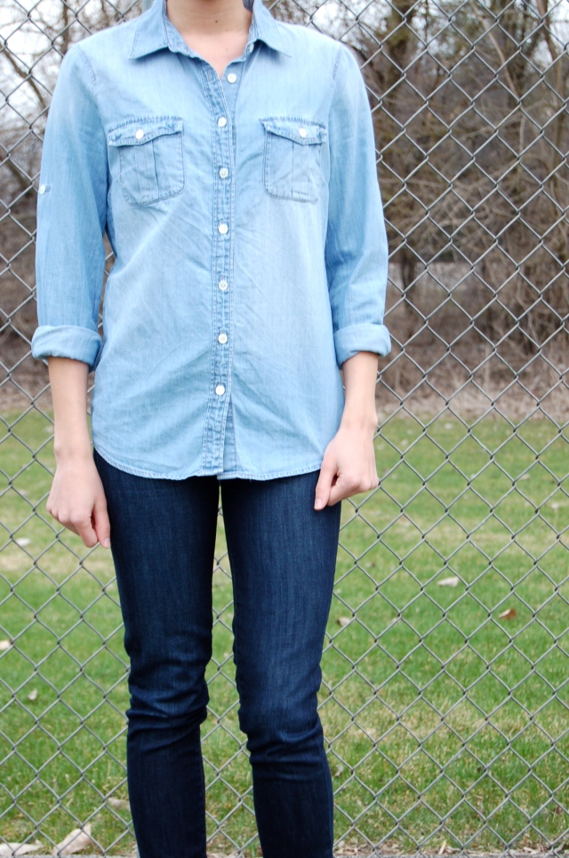 j.crew toothpick jeans, chambray shirt outfit, simple denim outfit, simple fashion blog, j.crew denim shirt