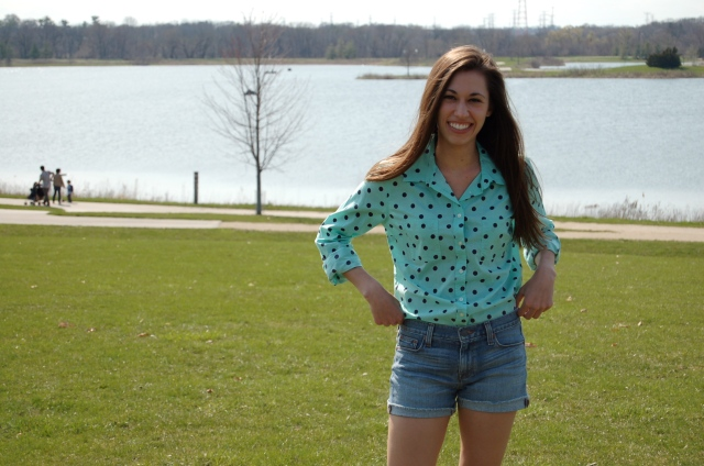 mint green polka dot shirt, polka dot shirt and denim shorts, simple spring outfit