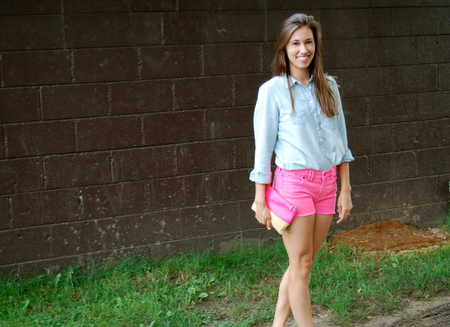 pink denim shorts, madewell pink denim shorts, denim shorts chambray shirt outfit, simple summer outfit, j.crew chambray shirt