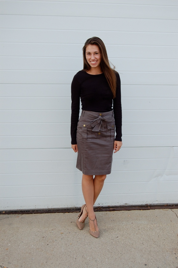 military style skirt, simple outfit, pencil skirt outfit, H&M pencil skirt