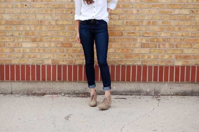 jcrew toothpick jeans, white button up shirt outfit, simple outfit, white shirt and jeans outfit, jcrew booties
