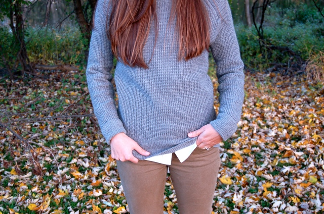 simple gray j.crew sweater, green jcrew toothpick jeans, simple jeans and sweater outfit